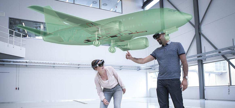 Hololens met vliegtuig hologram voor trainingsdoeleinden