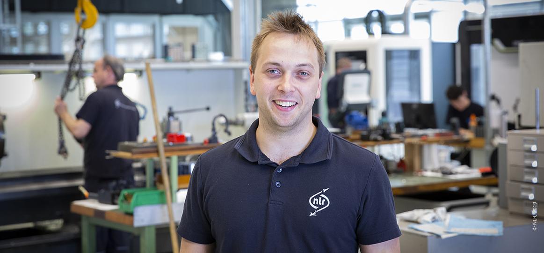 Alex van Hoewijk, verspander bij NLR