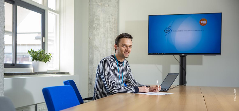 Vincent van der Lende, projectassistent NLR